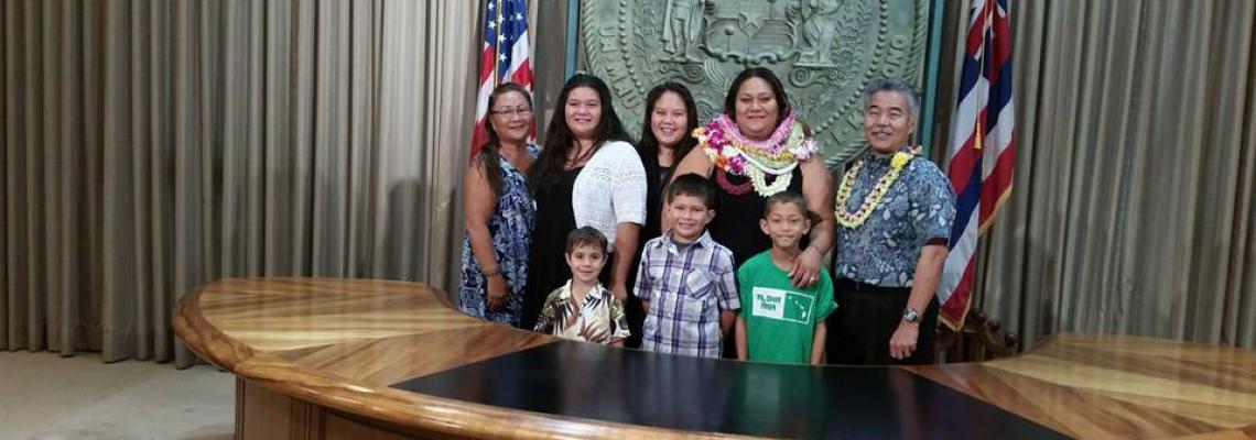 Leeward Grad Jasmine Choy and her family, when Choy selected as Intern in Governor's Office